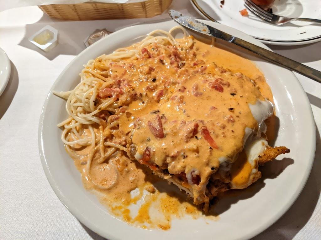 Johnnys Italian Restaurant - restaurant  | Photo 4 of 10 | Address: 14471 NE 23rd St, Choctaw, OK 73020, USA | Phone: (405) 281-1237