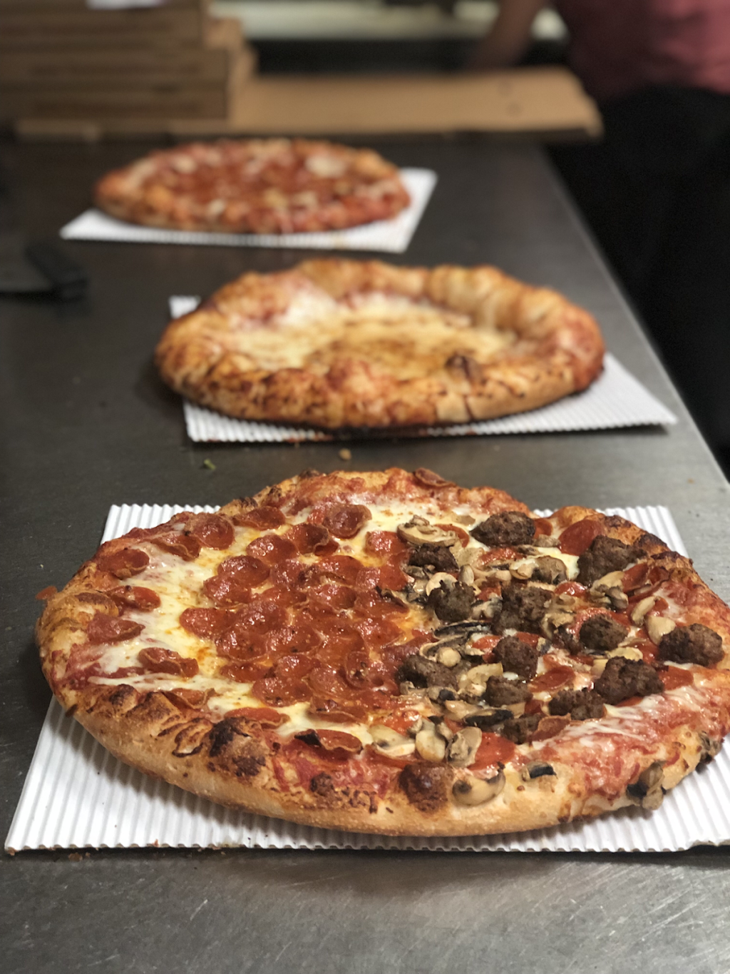 Tarantos Pizzeria - meal delivery  | Photo 5 of 10 | Address: 1282 E Powell Rd, Lewis Center, OH 43035, USA | Phone: (614) 841-2345