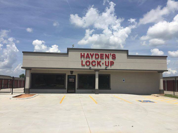 Haydens Lock-Up of Choctaw - storage  | Photo 1 of 1 | Address: 11825 SE 15th St, Midwest City, OK 73130, USA | Phone: (405) 431-0185