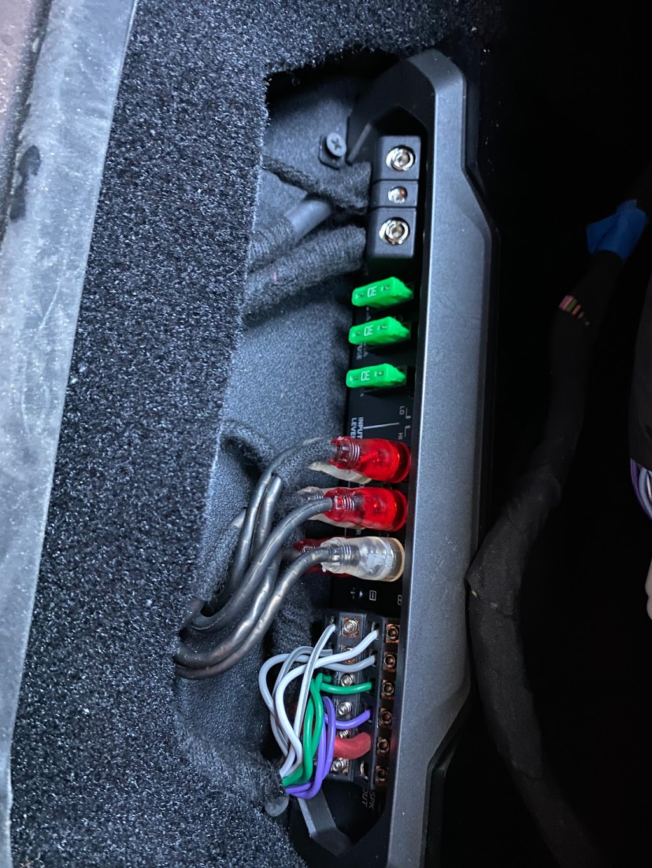 Audiomaxx - electronics store    Photo 4 of 10   Address: 528 E Fordham Rd, Bronx, NY 10458, USA   Phone: (718) 933-5636