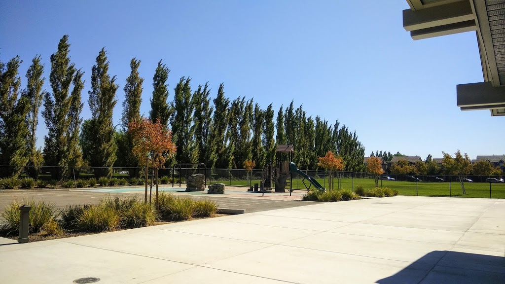 Altamont Elementary School - school  | Photo 1 of 5 | Address: 452 W St Francis Ave, Mountain House, CA 95391, USA | Phone: (209) 836-7240
