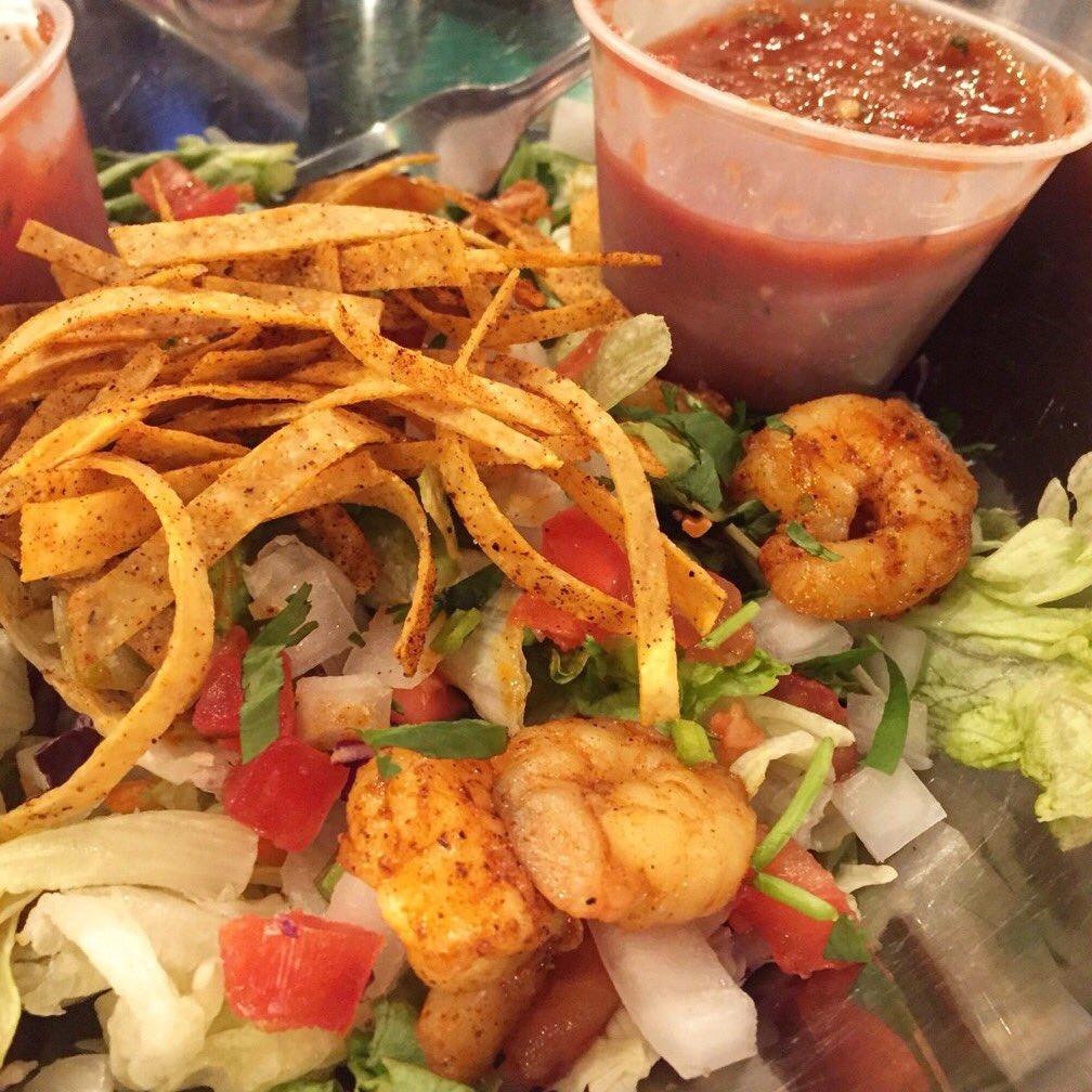 Fuzzys Taco Shop - restaurant  | Photo 9 of 10 | Address: 228 E Pleasant Run Rd, DeSoto, TX 75115, USA | Phone: (469) 297-4924