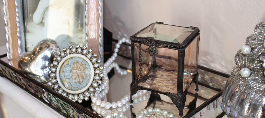 The Giftologist - clothing store    Photo 3 of 9   Address: 37 S Park Ave, Rockville Centre, NY 11570, USA   Phone: (516) 766-2296