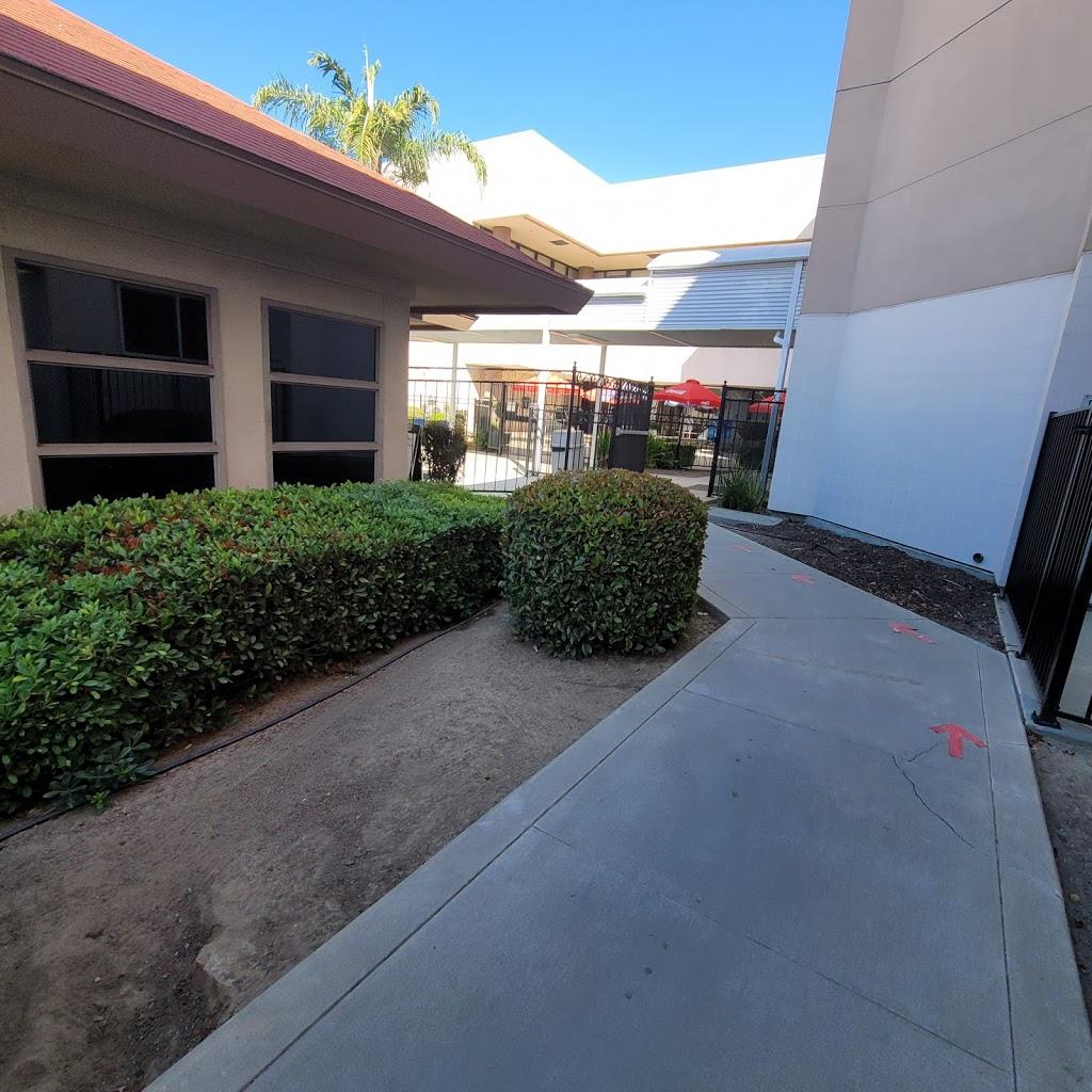 Madera County Hospital - hospital    Photo 7 of 10   Address: 1250 E Almond Ave, Madera, CA 93637, USA   Phone: (559) 675-5555