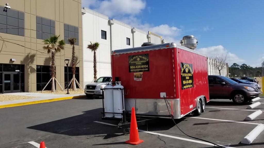 Amazon Fulfilment Center - storage  | Photo 6 of 10 | Address: 32210, 13333 103rd St, Jacksonville, FL 32221, USA | Phone: (855) 440-7663