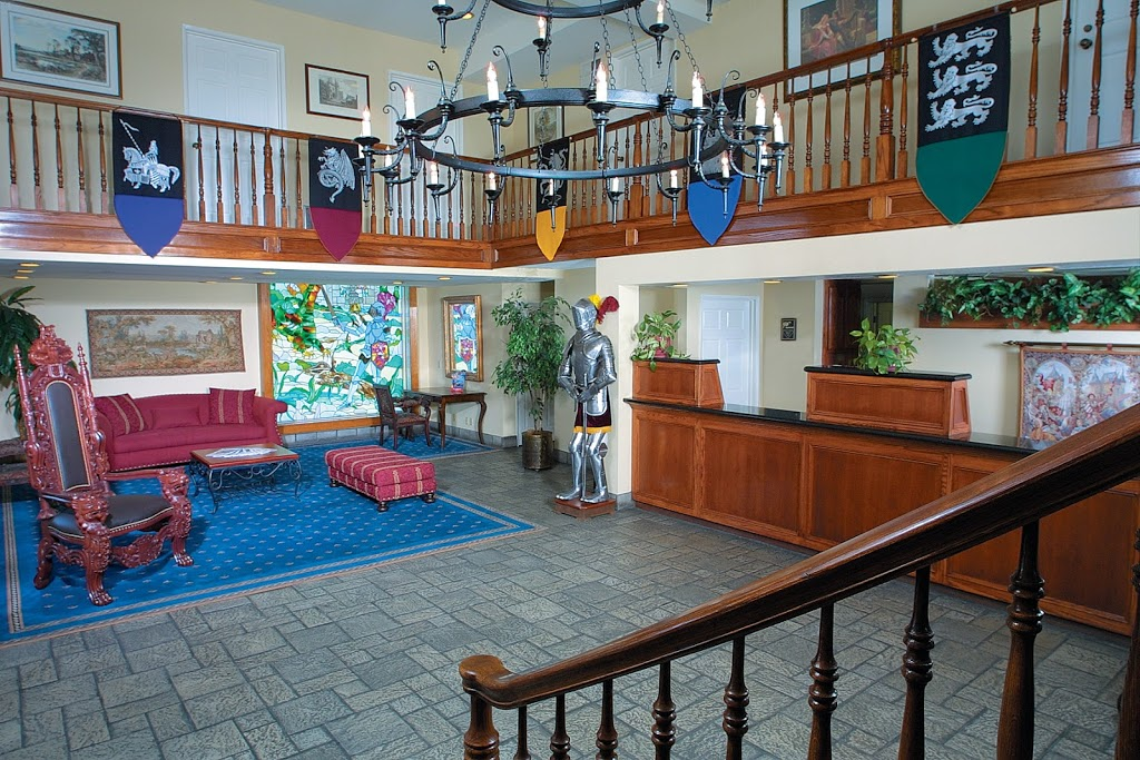 Castle Inn & Suites - lodging  | Photo 5 of 10 | Address: 1734 S Harbor Blvd, Anaheim, CA 92802, USA | Phone: (714) 774-8111