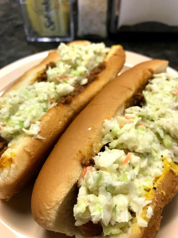 Kevins Dog House - restaurant  | Photo 4 of 10 | Address: 5011 Cleveland St, Virginia Beach, VA 23462, USA | Phone: (757) 961-1689