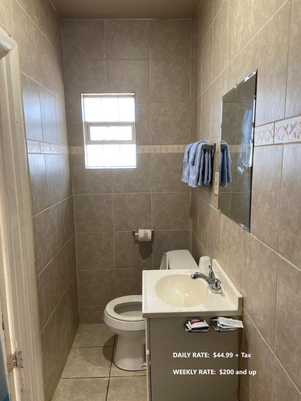 Ruth Motel - lodging  | Photo 4 of 6 | Address: 35425 Jefferson Ave, Harrison Charter Township, MI 48045, USA | Phone: (586) 791-2300