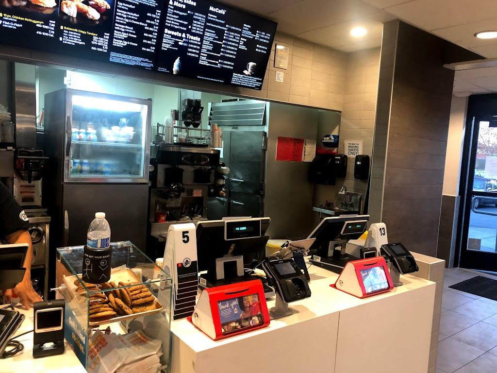 Starbucks - cafe    Photo 5 of 10   Address: 795 1st St, Gilroy, CA 95020, USA   Phone: (408) 847-5920