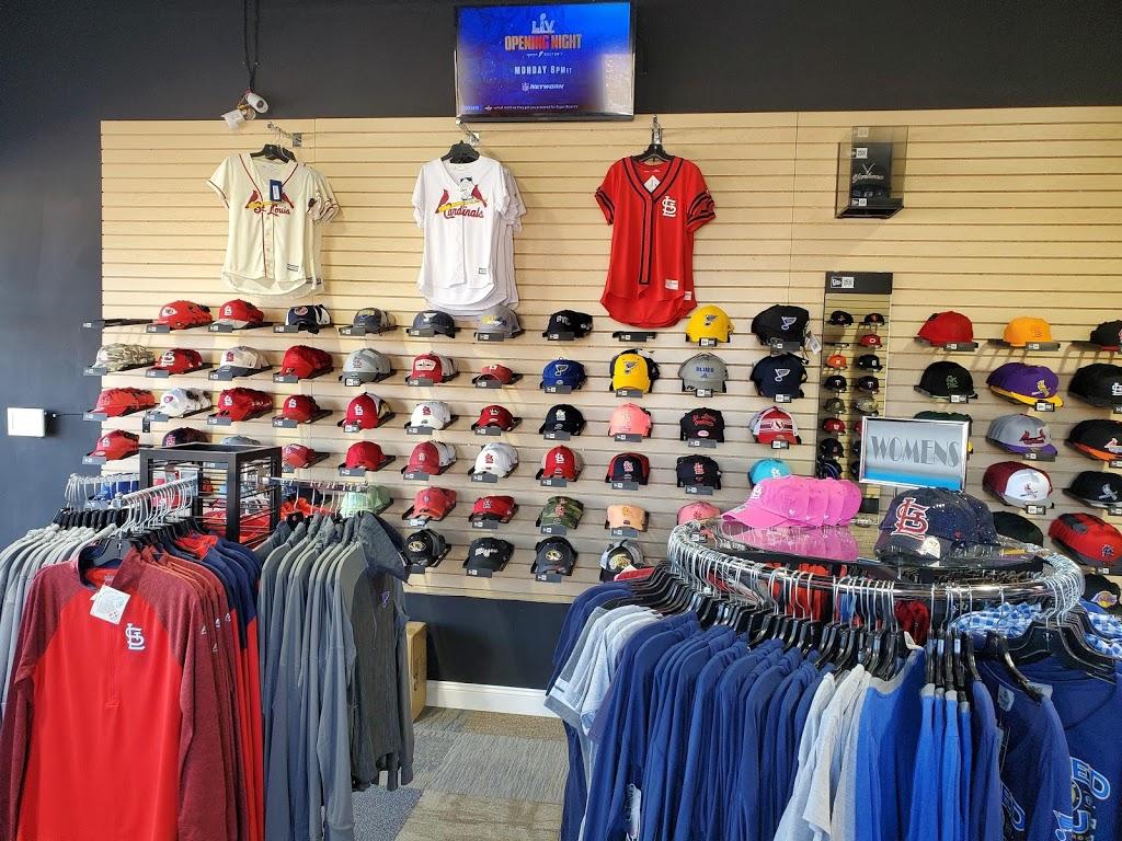 Headz N Threadz - clothing store  | Photo 8 of 10 | Address: 1065 Regency Pkwy, St Charles, MO 63303, USA | Phone: (314) 528-8100