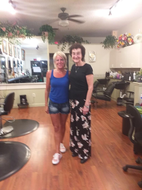 La Riviera Hair & Nail Salon - hair care  | Photo 9 of 10 | Address: 39324 US Hwy 19 N, Tarpon Springs, FL 34689, USA | Phone: (727) 784-1241
