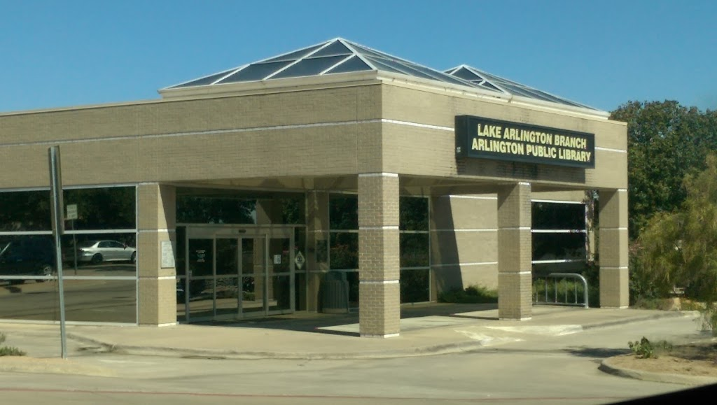 Arlington Public Library - Lake Arlington Branch - library  | Photo 7 of 7 | Address: 4000 W Green Oaks Blvd, Arlington, TX 76016, USA | Phone: (817) 459-6900