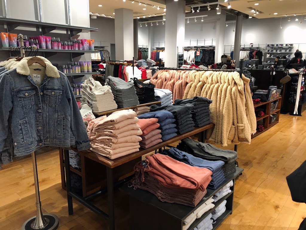 Hollister Co. - clothing store    Photo 2 of 4   Address: 1155 St Louis Galleria St Ste 1087, St. Louis, MO 63117, USA   Phone: (314) 244-3051