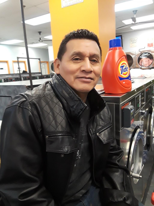 Casa Laundromat - laundry  | Photo 6 of 8 | Address: 7320 Richmond Hwy, Alexandria, VA 22306, USA | Phone: (703) 765-2002