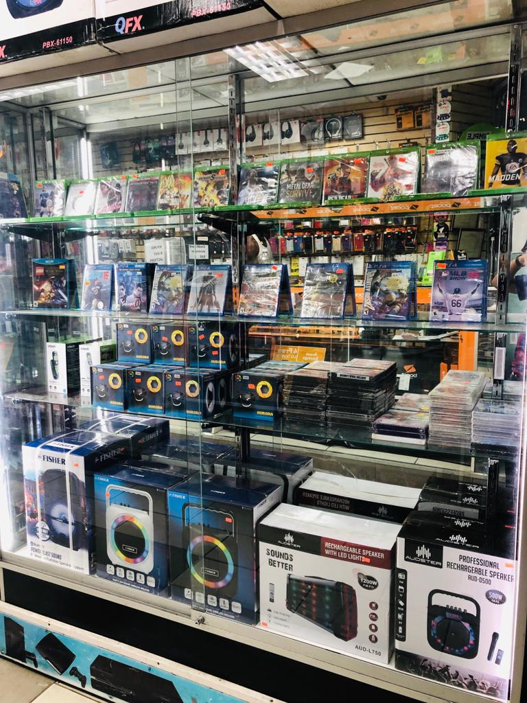 Unlimited 4 - electronics store  | Photo 3 of 9 | Address: 3507 White Plains Rd, Bronx, NY 10467, USA | Phone: (718) 325-2555
