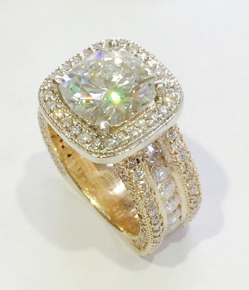 The Jewelry Workshop - jewelry store    Photo 3 of 10   Address: 36175 E Lake Rd S, Palm Harbor, FL 34685, USA   Phone: (727) 781-8757