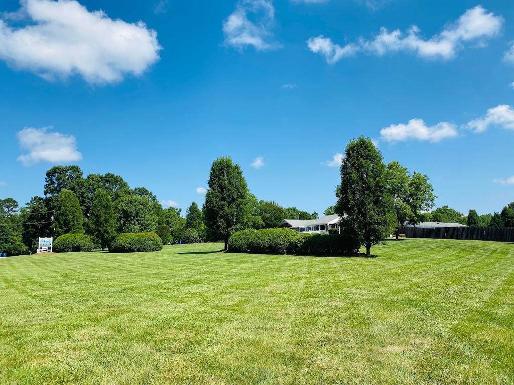 Loving Pet Inn & Resort -     Photo 1 of 10   Address: 820 Gallimore Dairy Rd, High Point, NC 27265, USA   Phone: (336) 393-0670