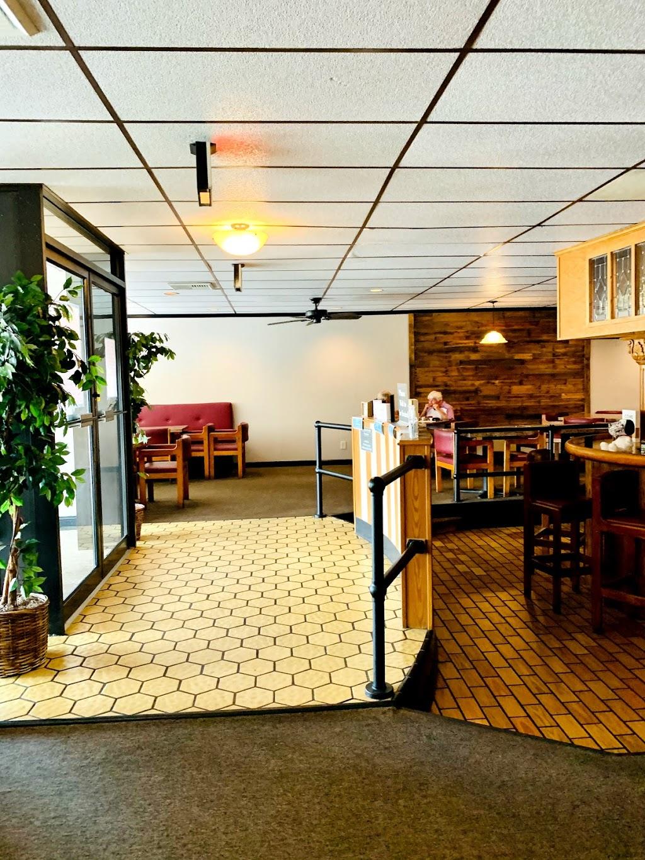Harolds - restaurant    Photo 6 of 10   Address: 4445 Virginia Beach Blvd, Virginia Beach, VA 23462, USA   Phone: (757) 499-1378