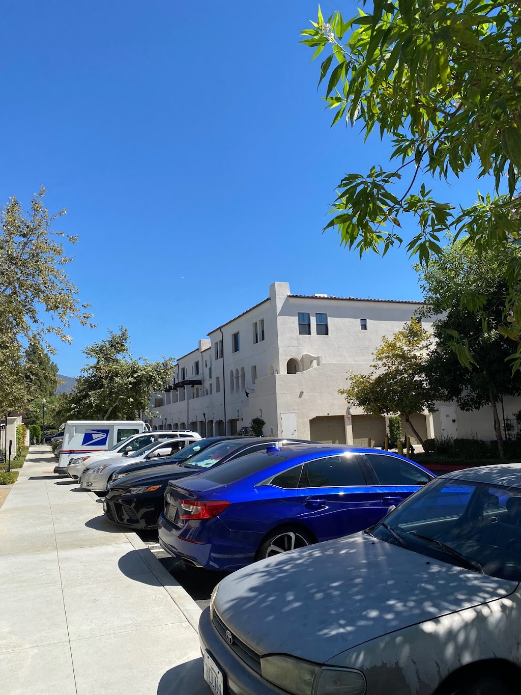 The Paseos at Montclair North - lodging    Photo 9 of 10   Address: 4914 Olive St, Montclair, CA 91763, USA   Phone: (855) 221-0304