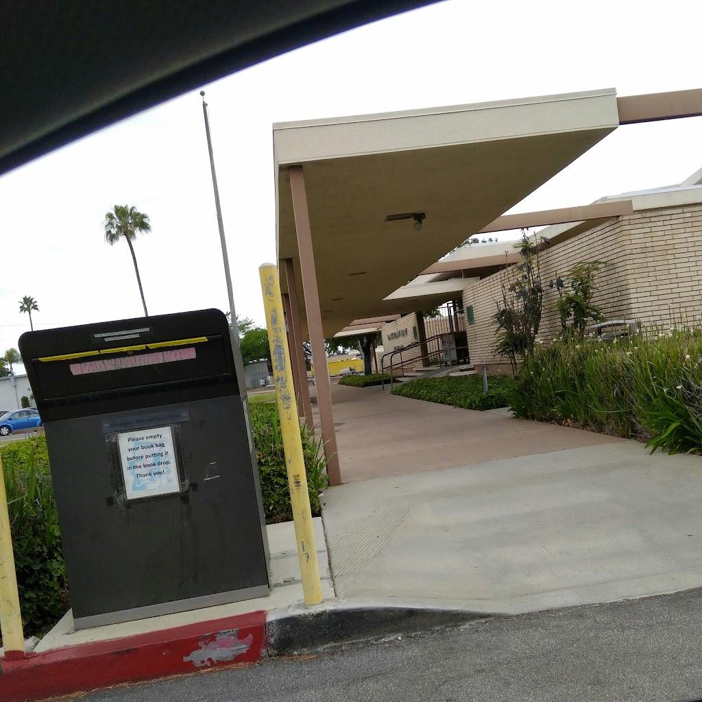 Mesa Verde Branch Library - library  | Photo 4 of 10 | Address: 2969 Mesa Verde Dr E, Costa Mesa, CA 92626, USA | Phone: (714) 546-5274