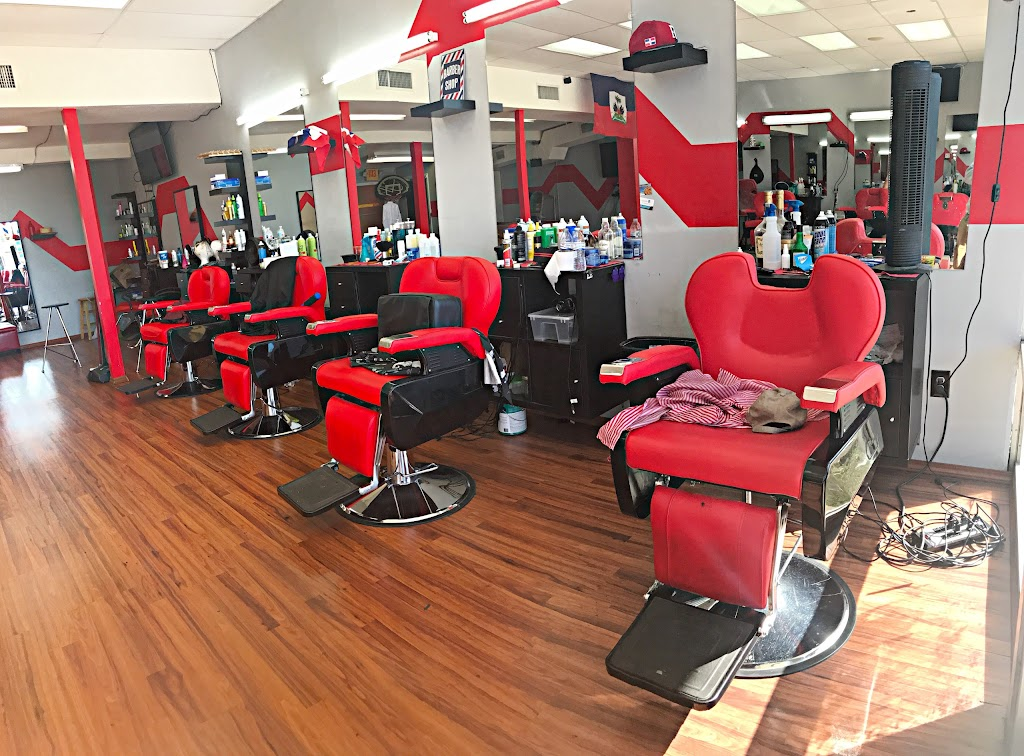 The Kings Barbershop/Salon - hair care    Photo 1 of 10   Address: 993 NE 135th St, North Miami, FL 33161, USA   Phone: (786) 400-4119