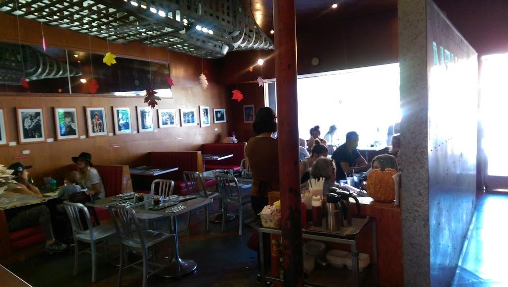 New York Bagel Co. - restaurant  | Photo 5 of 9 | Address: 11640 San Vicente Blvd, Los Angeles, CA 90049, USA | Phone: (310) 820-1050