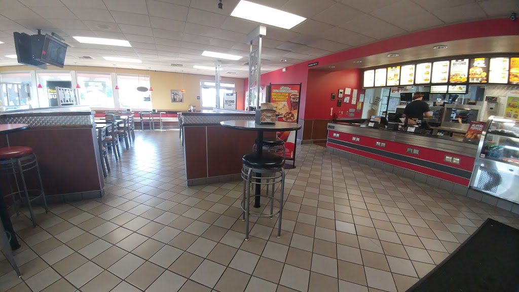 Carls Jr. - restaurant  | Photo 4 of 10 | Address: 1410 W Colony Rd, Ripon, CA 95366, USA | Phone: (209) 599-9222