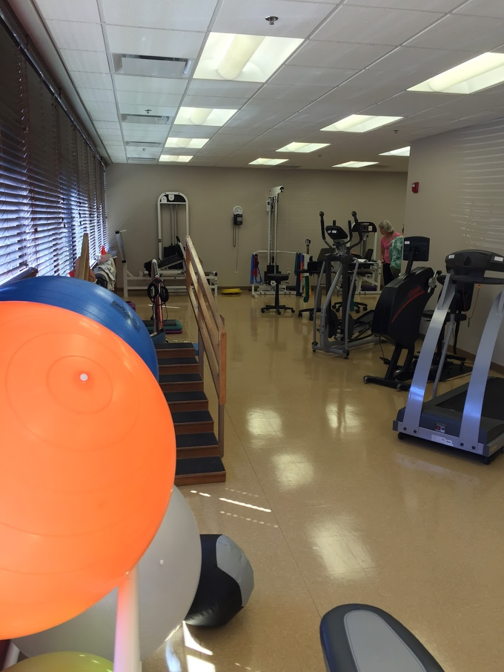 STAR Physical Therapy - physiotherapist  | Photo 1 of 10 | Address: 491 N Sage Rd Suite 1000, White House, TN 37188, USA | Phone: (615) 672-8230