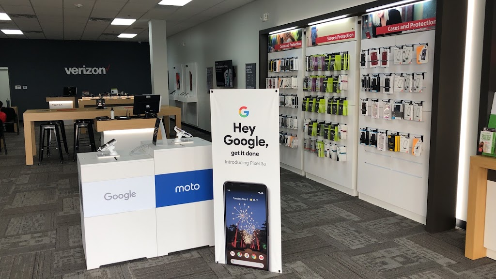 Verizon Authorized Retailer - Victra - store  | Photo 9 of 10 | Address: 7716 Charlotte Hwy Ste 102, Indian Land, SC 29707, USA | Phone: (803) 223-7124