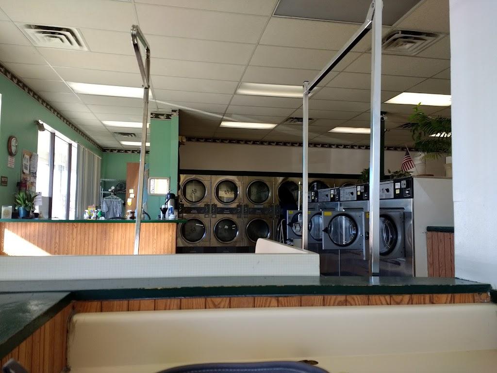 Major Kleen Laundromat - laundry    Photo 2 of 7   Address: 4044 Airport Hwy, Toledo, OH 43615, USA   Phone: (419) 381-0617