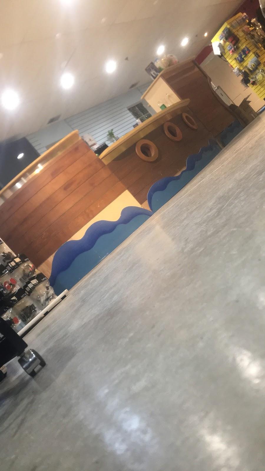 Berry Scuba & Swim School - travel agency  | Photo 9 of 10 | Address: 200 Northfield Rd, Northfield, IL 60093, USA | Phone: (847) 827-3100