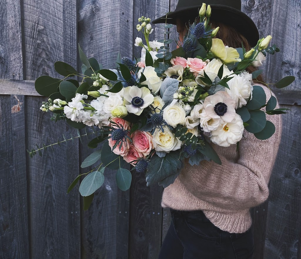 Pisarcik Flower Farm - florist    Photo 2 of 10   Address: 365 Browns Hill Rd, Valencia, PA 16059, USA   Phone: (724) 898-1434