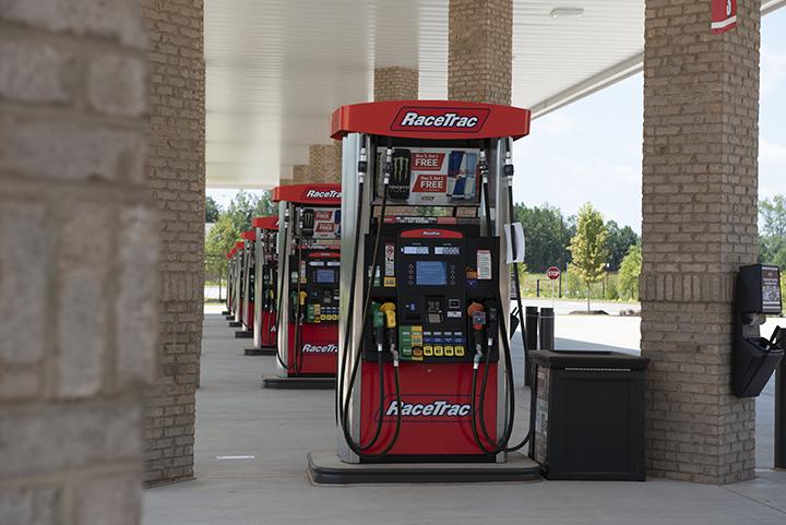 RaceTrac - gas station    Photo 2 of 10   Address: 4255 Jonesboro Rd, Union City, GA 30291, USA   Phone: (770) 306-4024