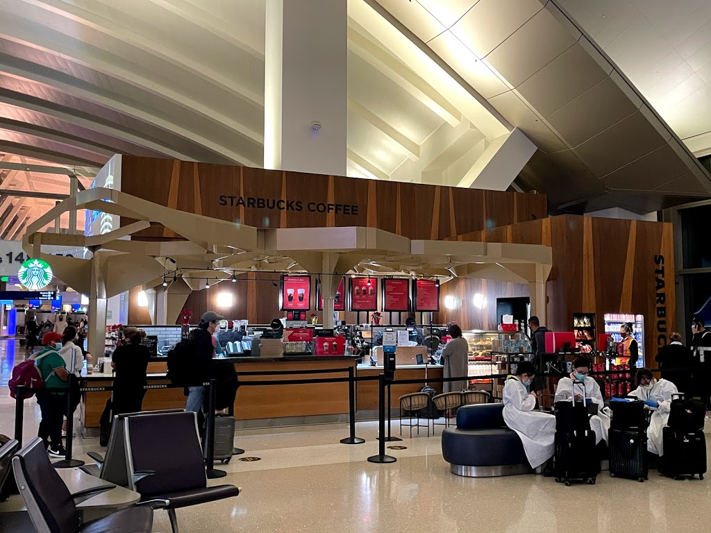 Starbucks - cafe  | Photo 3 of 10 | Address: 1 World Way LAX T4-Baggage Claim, Los Angeles, CA 90045, USA | Phone: (310) 665-9445