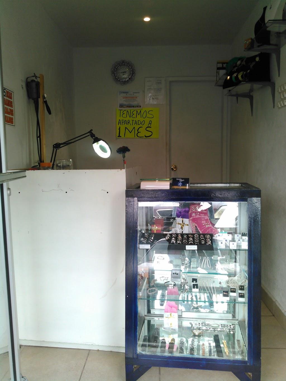 Joyería Zafiro - jewelry store  | Photo 3 of 10 | Address: Calle 5 de Mayo 200-Local 4, Predios Urbanos, 22710 Rosarito, B.C., Mexico | Phone: 661 116 2531