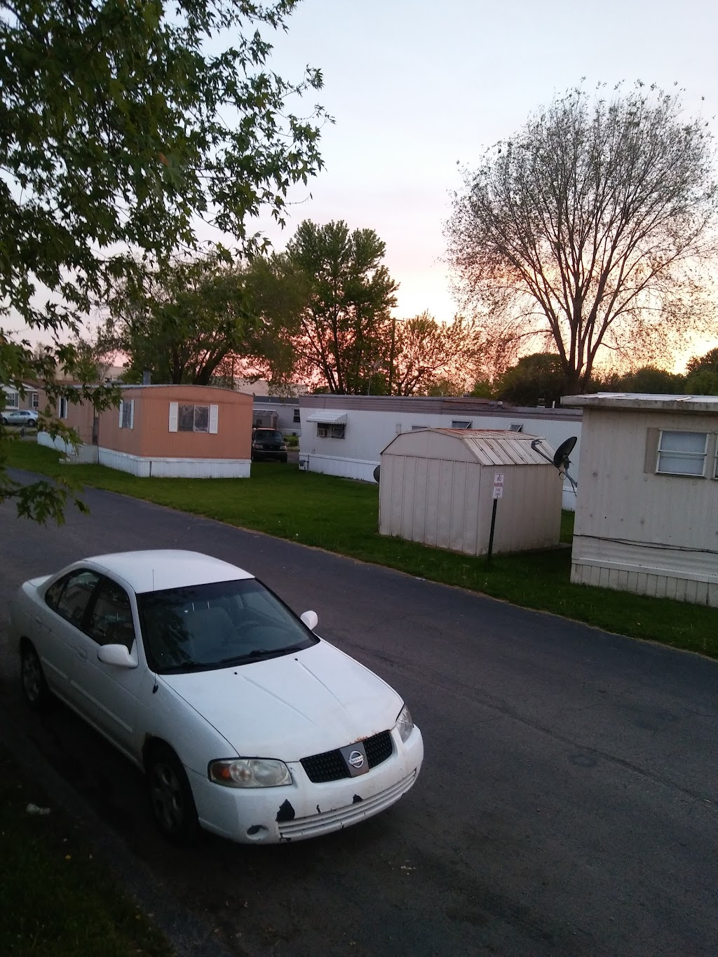 Willow Point - rv park    Photo 6 of 10   Address: 43400 Lenfesty Dr, Harrison Twp, MI 48045, USA   Phone: (586) 571-9671