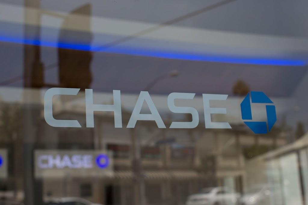 Chase Bank - bank  | Photo 1 of 2 | Address: 285 E Reagan Pkwy, Medina, OH 44256, USA | Phone: (330) 722-1212