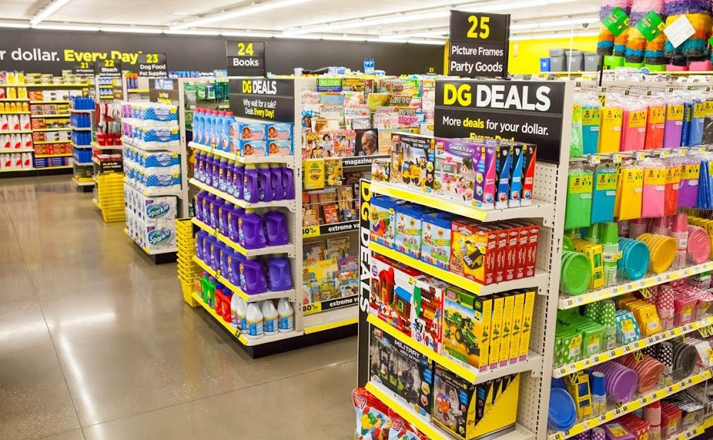 Dollar General - convenience store  | Photo 2 of 9 | Address: 9250 S Broadway, Guthrie, OK 73044, USA | Phone: (405) 260-8360
