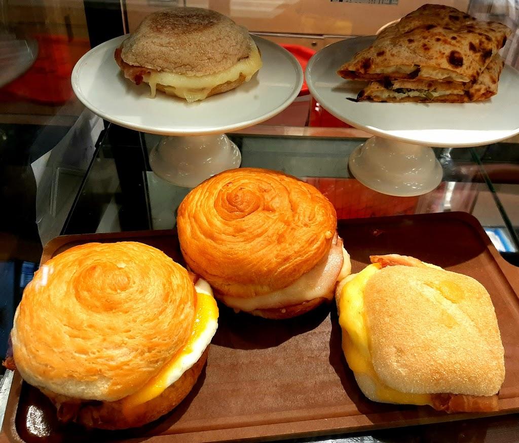 Starbucks - cafe  | Photo 10 of 10 | Address: 8805 Lakeview Pkwy, Rowlett, TX 75088, USA | Phone: (214) 607-0218