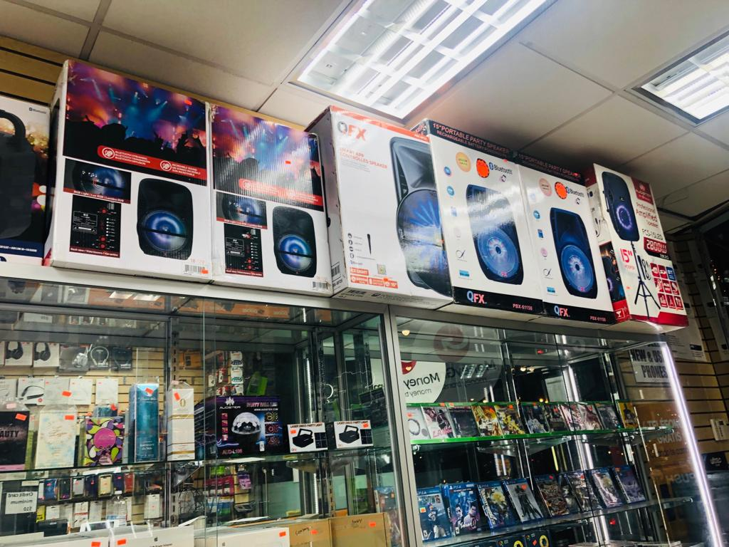 Unlimited 4 - electronics store  | Photo 1 of 9 | Address: 3507 White Plains Rd, Bronx, NY 10467, USA | Phone: (718) 325-2555
