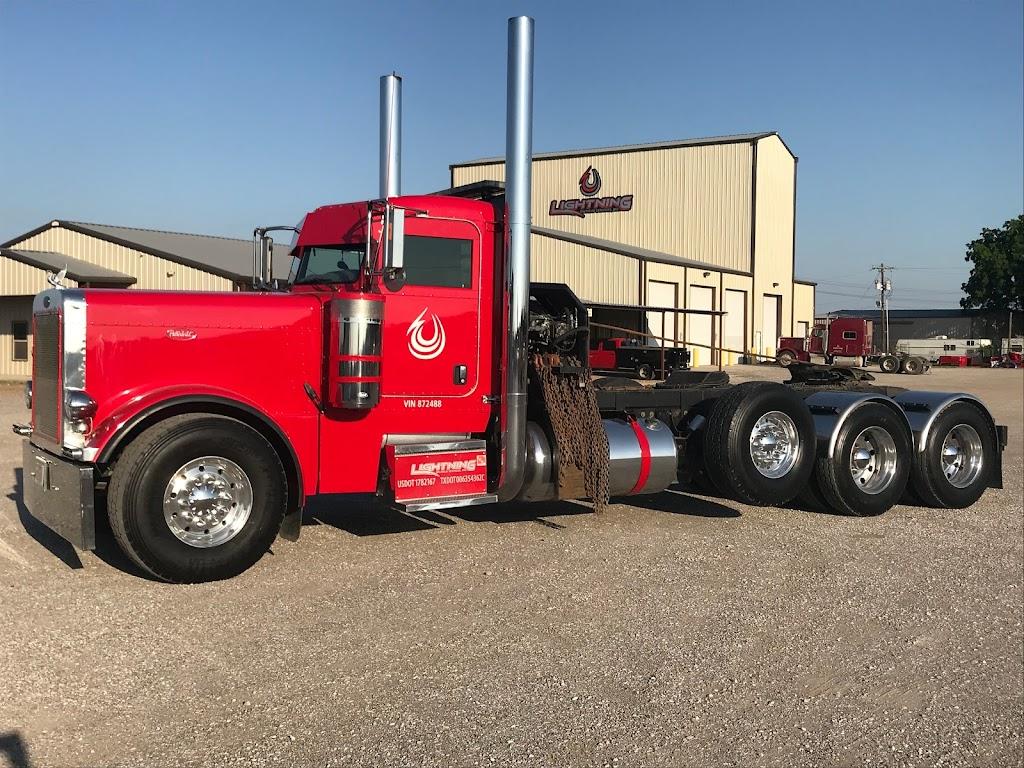 Lightning Oilfield Services, Inc. - moving company  | Photo 4 of 6 | Address: 11830 N Saginaw Blvd, Fort Worth, TX 76179, USA | Phone: (817) 439-5558