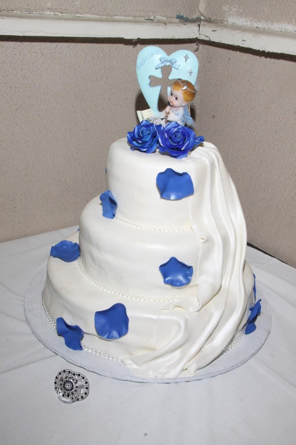 Las Tres Princesas Bakery - bakery  | Photo 4 of 7 | Address: 2736 N Bristol St, Santa Ana, CA 92706, USA | Phone: (714) 542-2131