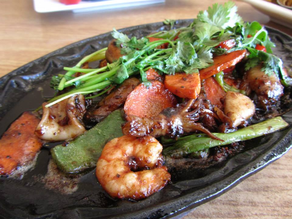 Cids Ma Mon Luk - restaurant  | Photo 2 of 10 | Address: 9182 W Golf Rd, Des Plaines, IL 60016, USA | Phone: (847) 635-8281