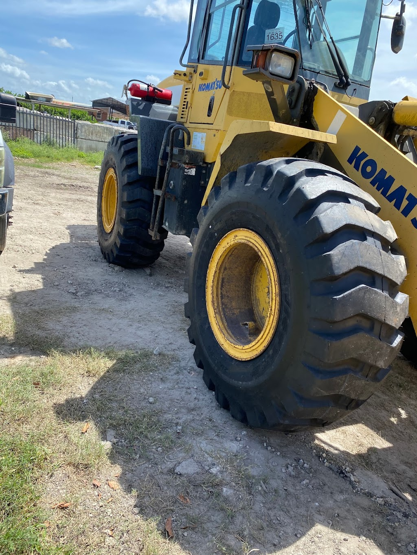 O.V Tires & Road Services Inc - car repair  | Photo 6 of 10 | Address: 2420 SE 15th St, Homestead, FL 33035, USA | Phone: (786) 899-3816