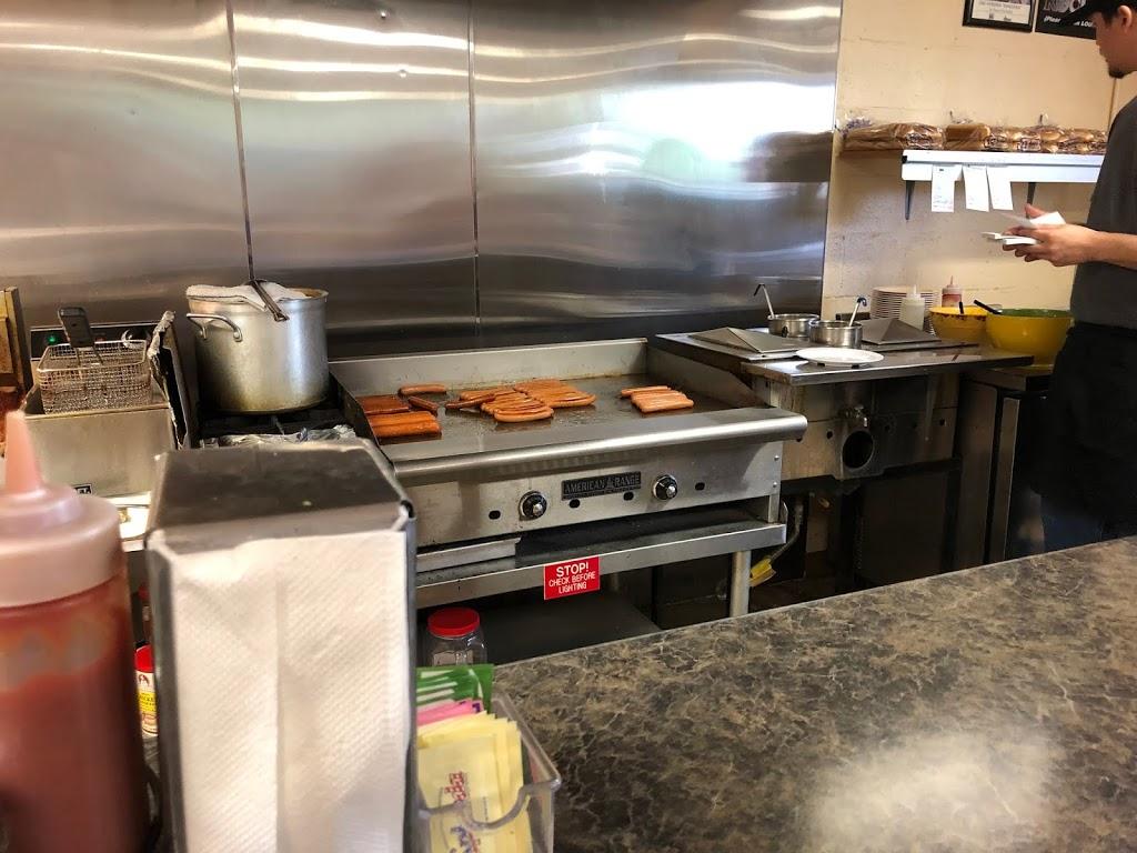 Kevins Dog House - restaurant  | Photo 5 of 10 | Address: 5011 Cleveland St, Virginia Beach, VA 23462, USA | Phone: (757) 961-1689