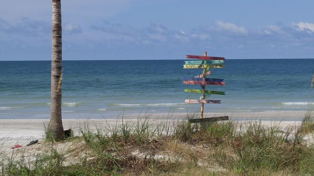 Barrett Beach Bungalows - real estate agency  | Photo 10 of 10 | Address: 19646 Gulf Blvd, Indian Shores, FL 33785, USA | Phone: (727) 455-2832