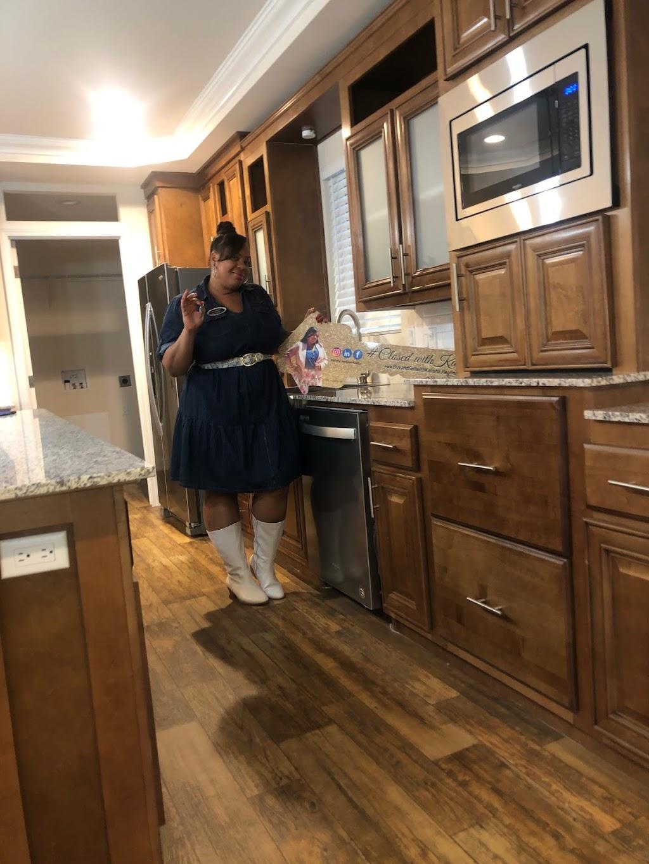 Kalisha Jackson Realty - real estate agency    Photo 10 of 10   Address: 3880 Kilroy Airport Way #101, Long Beach, CA 90806, USA   Phone: (323) 440-7076