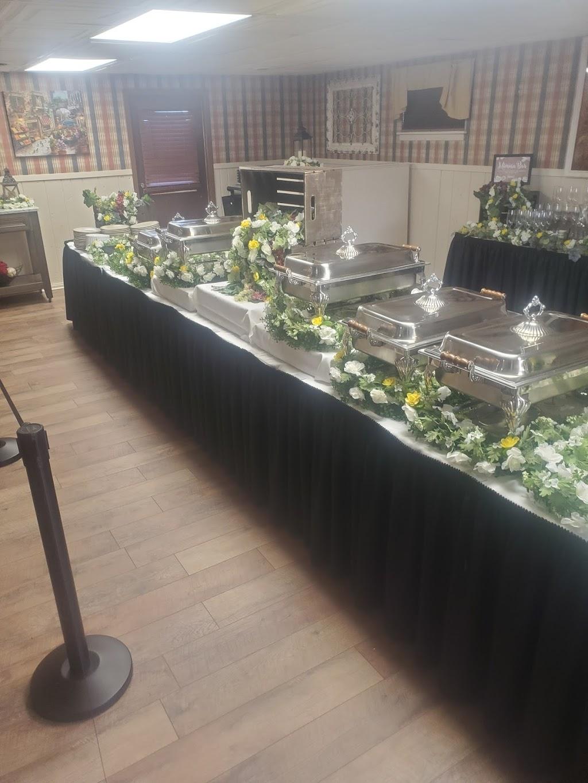 Delfini Room - restaurant  | Photo 4 of 6 | Address: 570 Pike St, Meadowlands, PA 15347, USA | Phone: (724) 222-2060