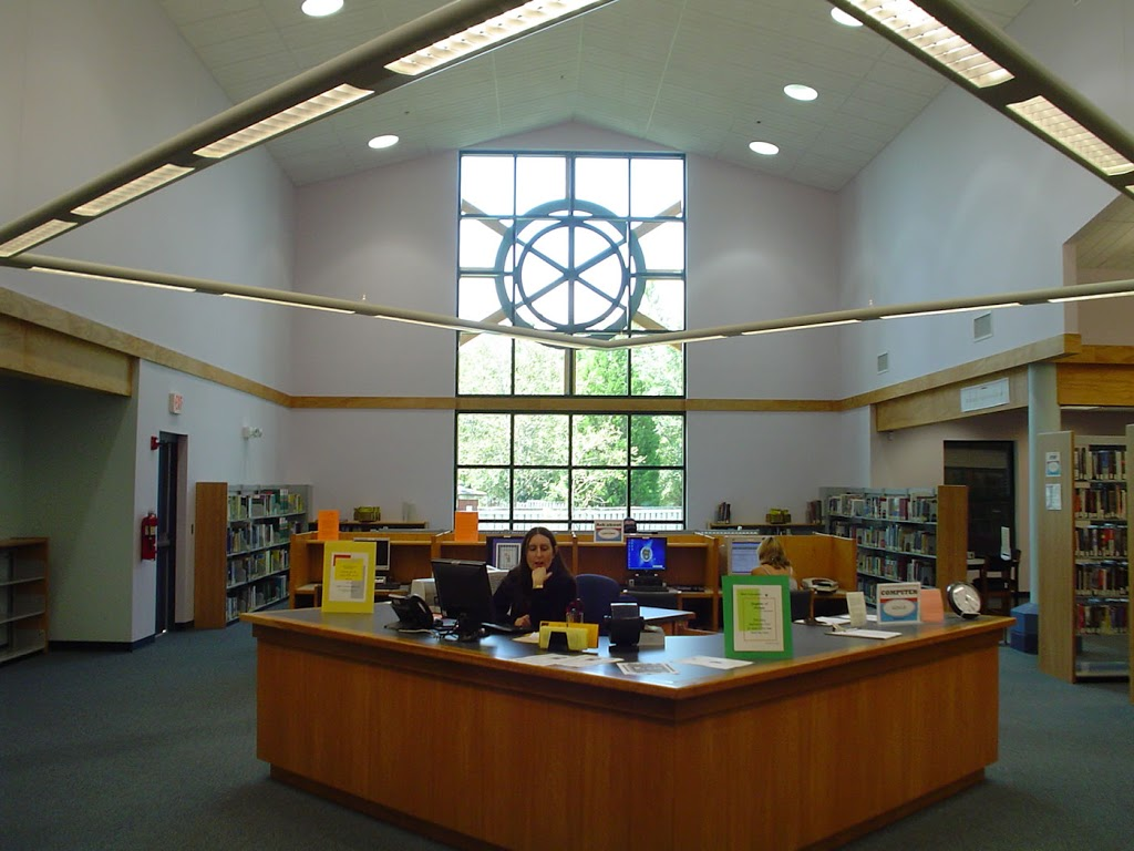 Bartram Trail Branch | St. Johns County Public Library System - library  | Photo 3 of 7 | Address: 60 Davis Pond Blvd, Fruit Cove, FL 32259, USA | Phone: (904) 827-6960