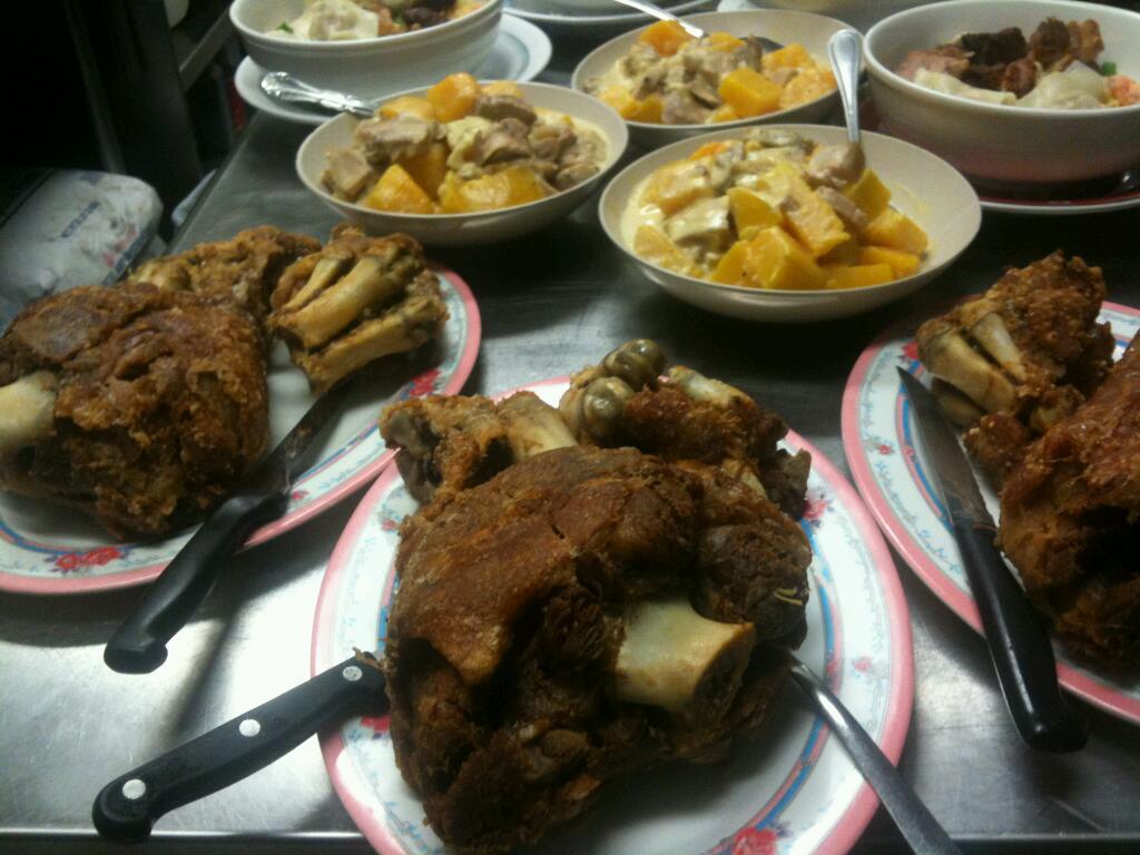 Cids Ma Mon Luk - restaurant    Photo 9 of 10   Address: 9182 W Golf Rd, Des Plaines, IL 60016, USA   Phone: (847) 635-8281
